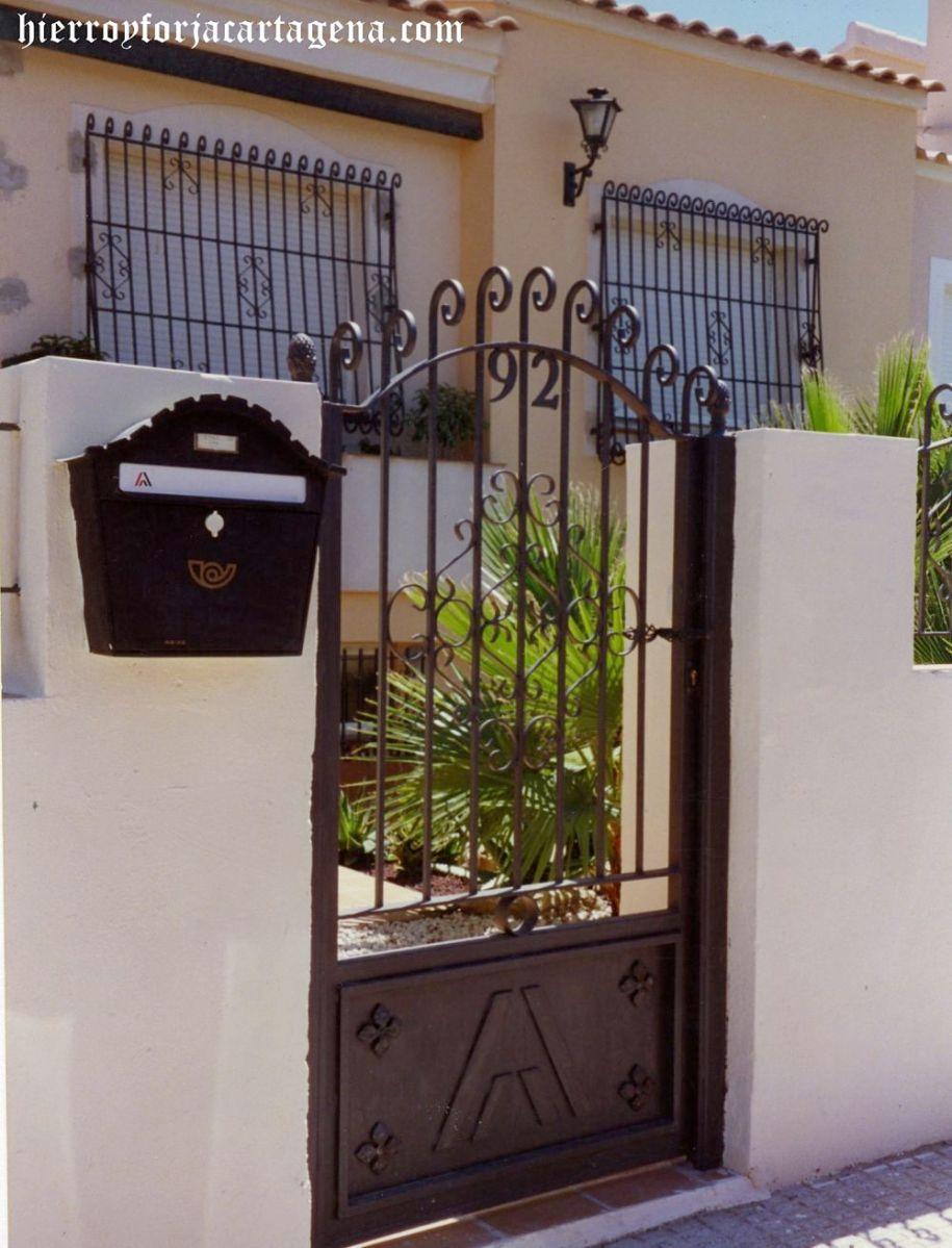 Puertas y barandillas de hierro